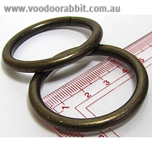 """Voodoo Bag Hardware Wire O-Ring 40mm (1-1/2"""") Antique Brass - 4pk"""