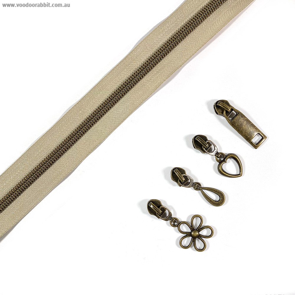 "Voodoo Bag Hardware (Size #5) Handbag Zipper Natural Tape with Antique Brass Teeth 3m (157"") with 12 pulls - Mix Pack"