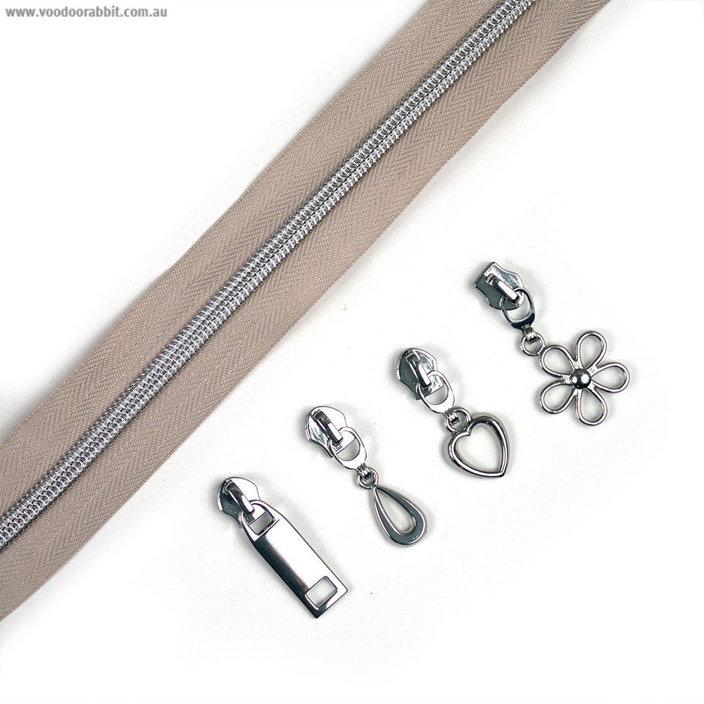 """Voodoo Bag Hardware (Size #5) Handbag Zipper Natural Tape with Silver Teeth 3m (157"""") with 12 pulls - Mix Pack"""