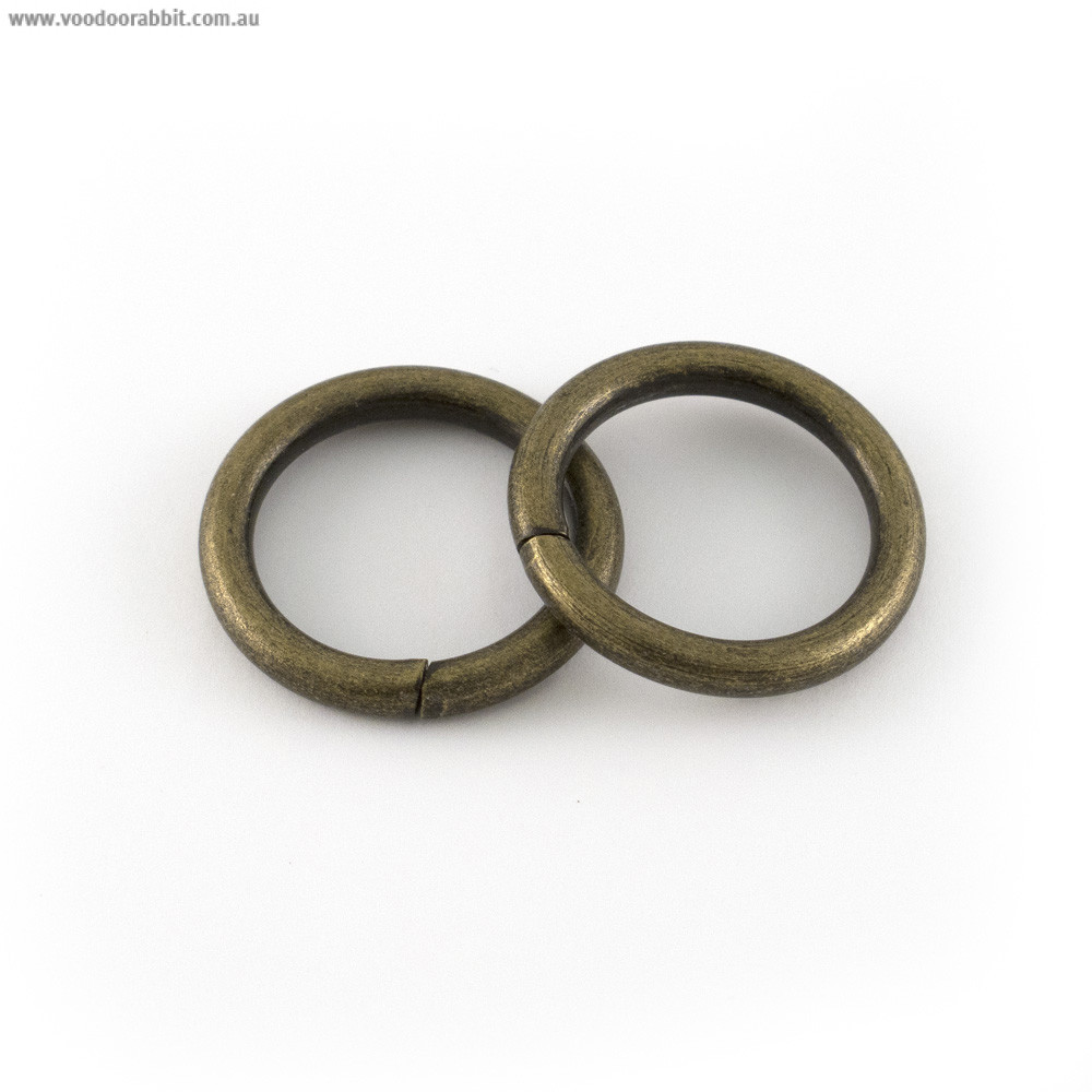 """Voodoo Bag Hardware Wire O-Ring 20mm (¾"""") Antique Brass - 4pk"""
